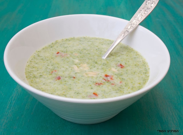 מרק ברוקולי טבעוני מוקרם