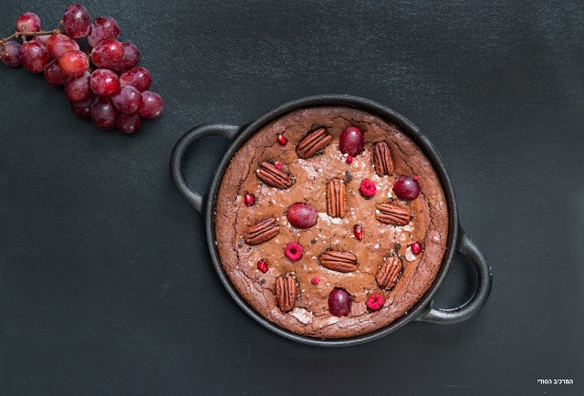 בראוניז עם אגוזי פקאן ופירות