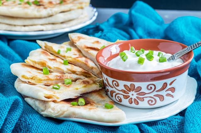 לחם הודי במילוי תפוחי אדמה מתובלים