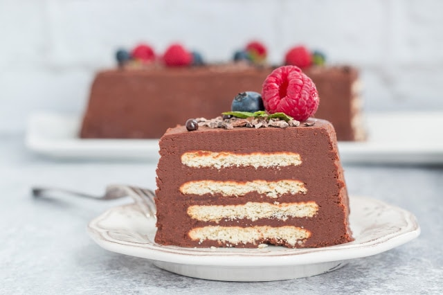 עוגת ביסקוויטים שוקולד וגבינה (טבעונית)