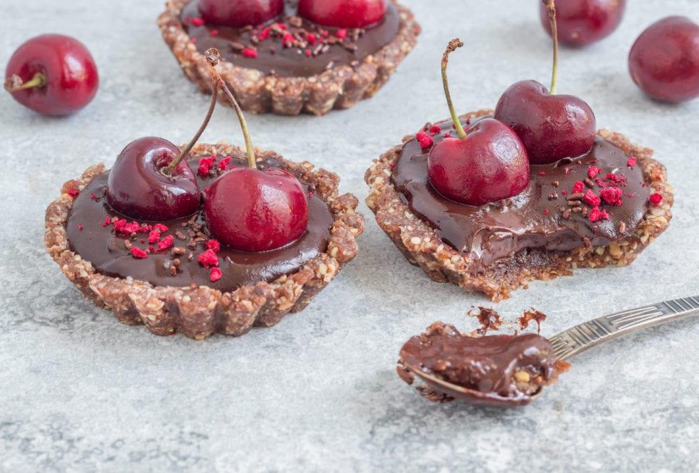טארט שוקולד טבעוני אישי עם אגוזים