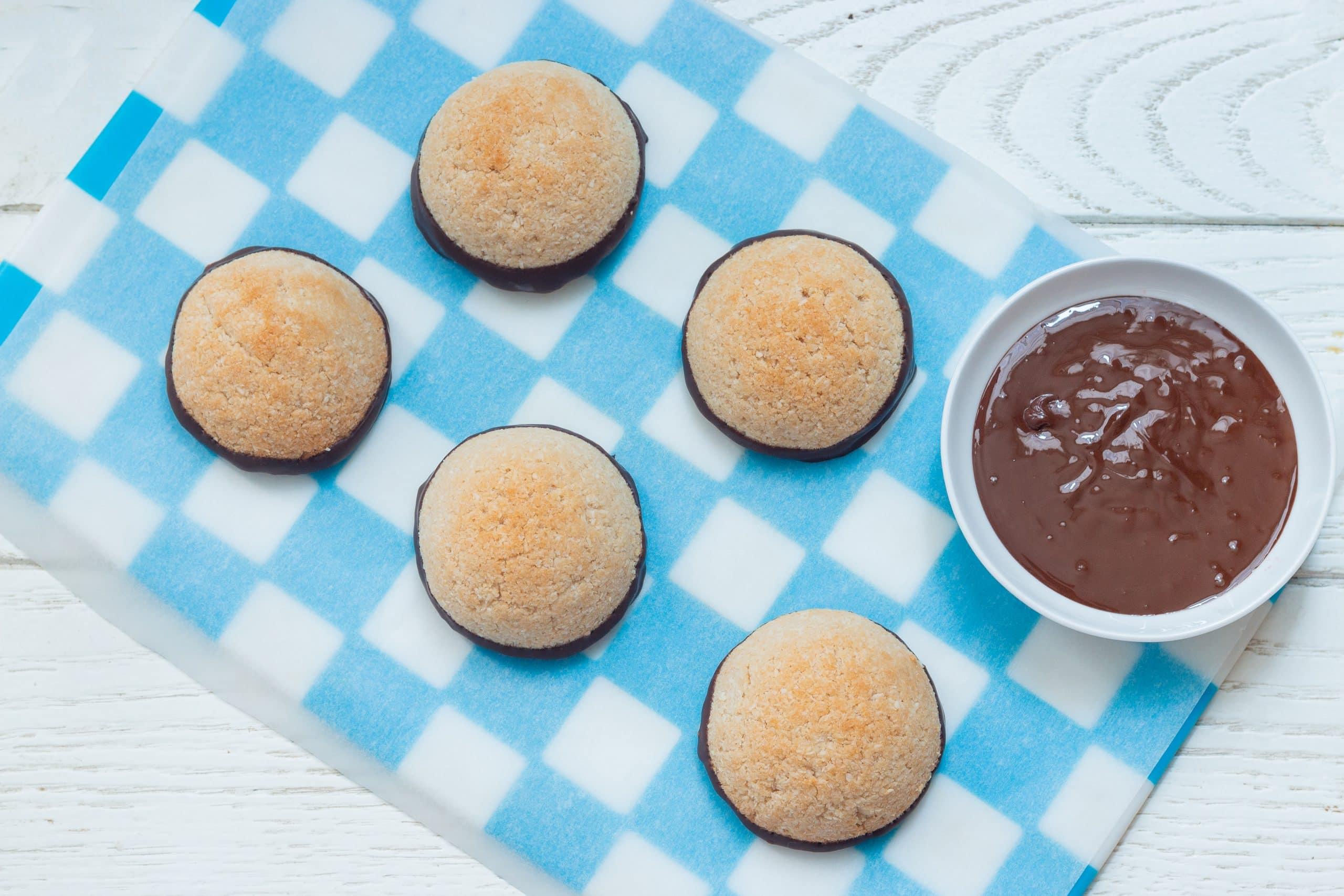 עוגיות קוקוס טבעוניות ללא גלוטן (כשרות לפסח)