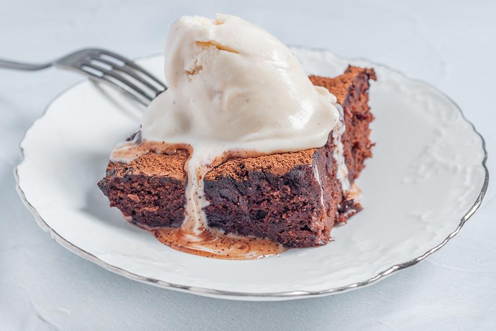 עוגת שוקולד טבעונית קלה מקמח כוסמין