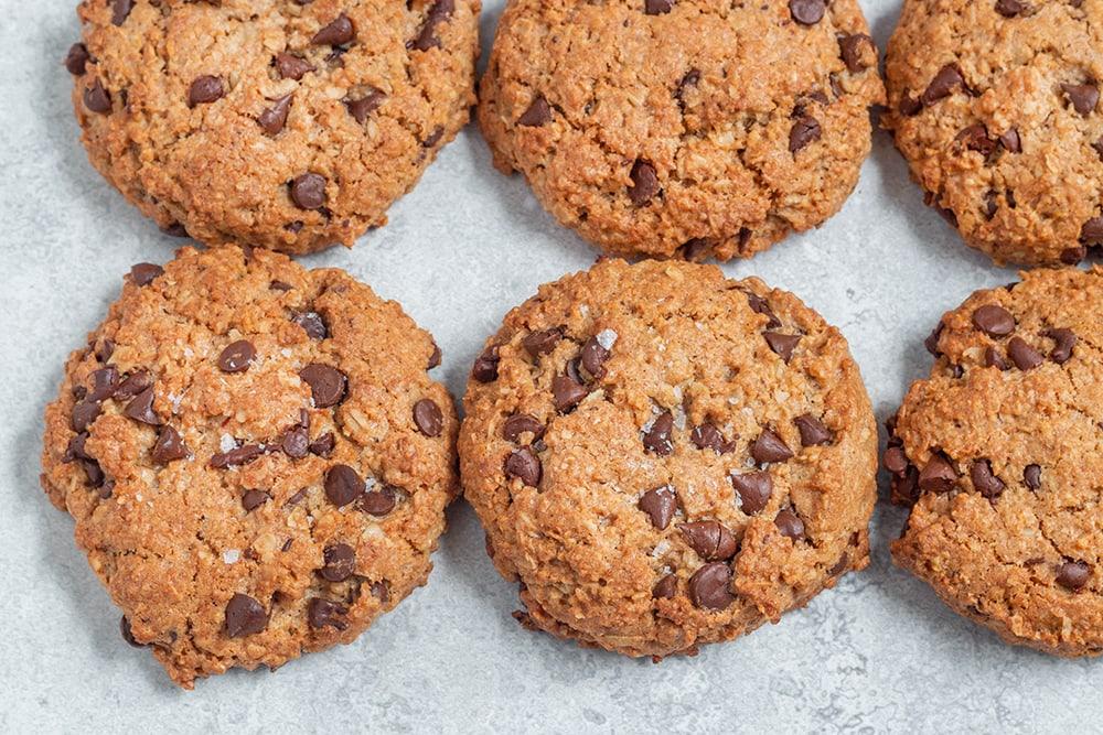 עוגיות שיבולת שועל טבעוניות עם שוקולד צ'יפס