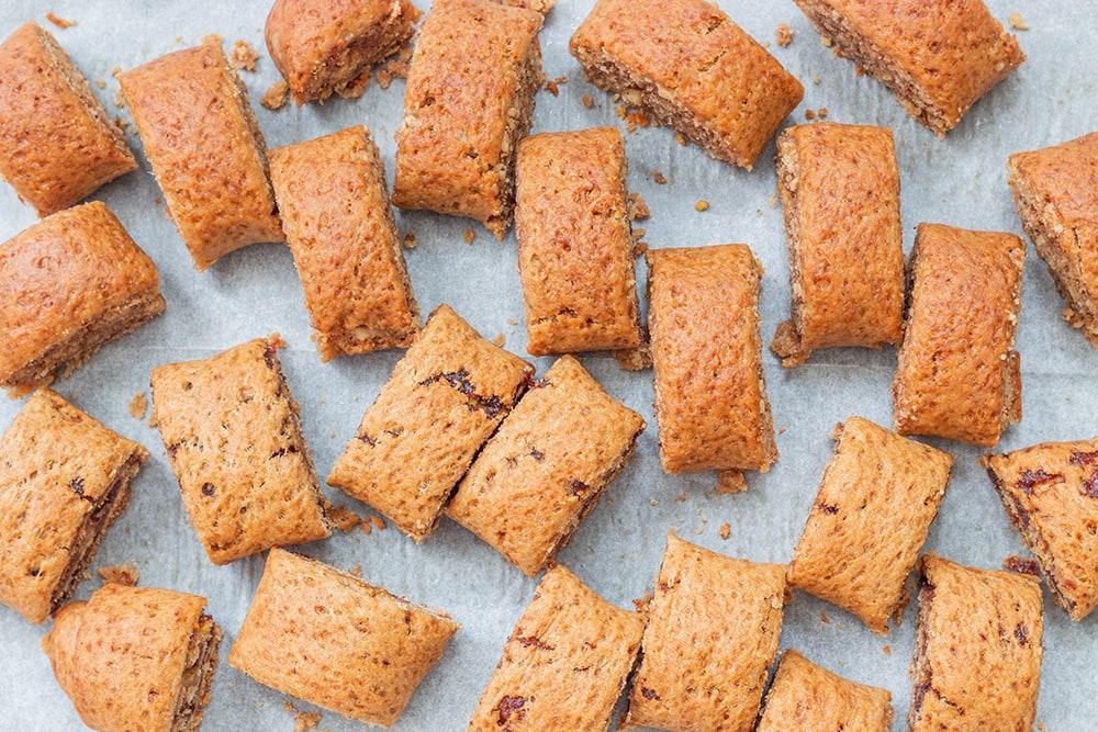 עוגיות מגולגלות טבעוניות מקמח כוסמין ללא סוכר