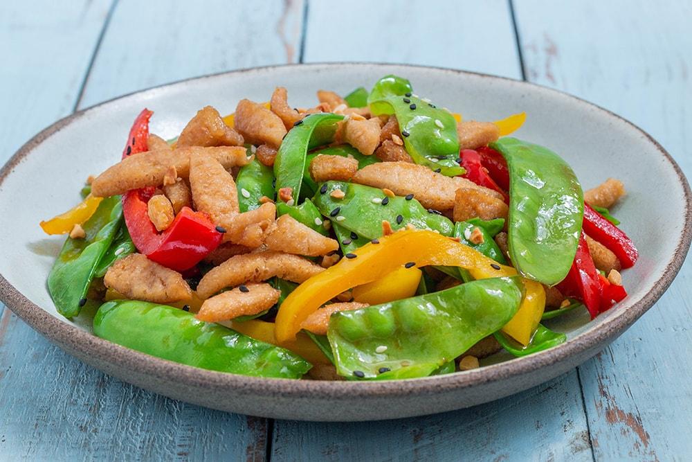 מוקפץ נתחי סויה עם ירקות
