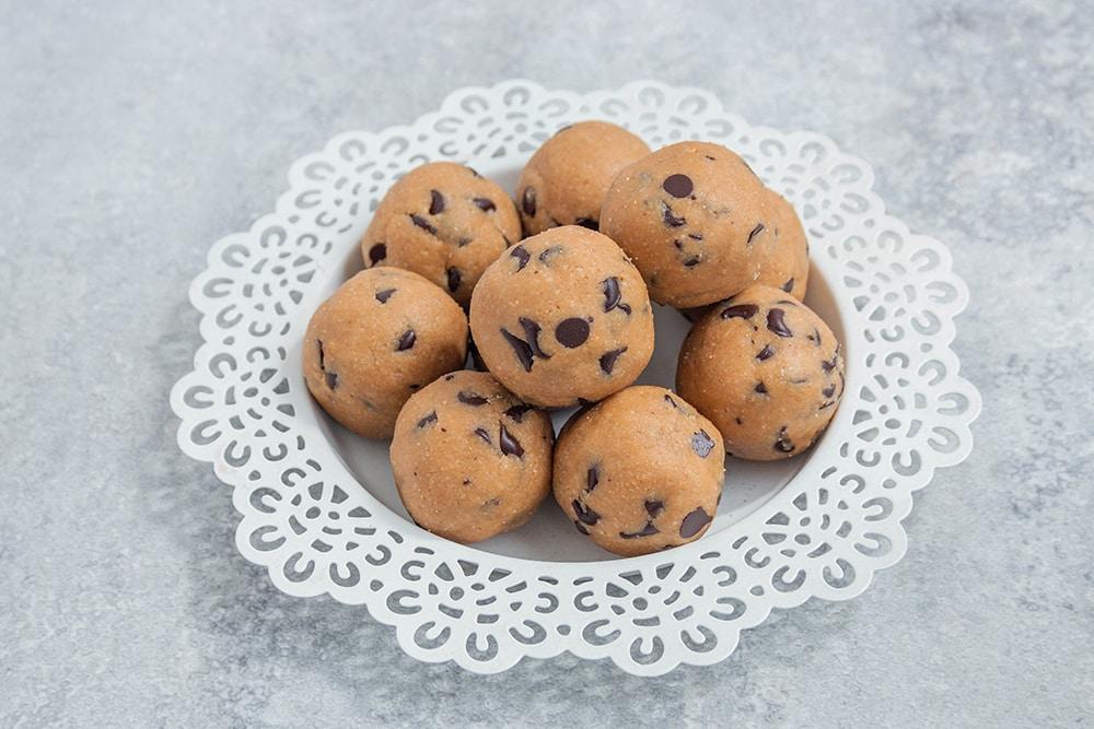 כדורי בצק עוגיות טבעוניים ללא גלוטן