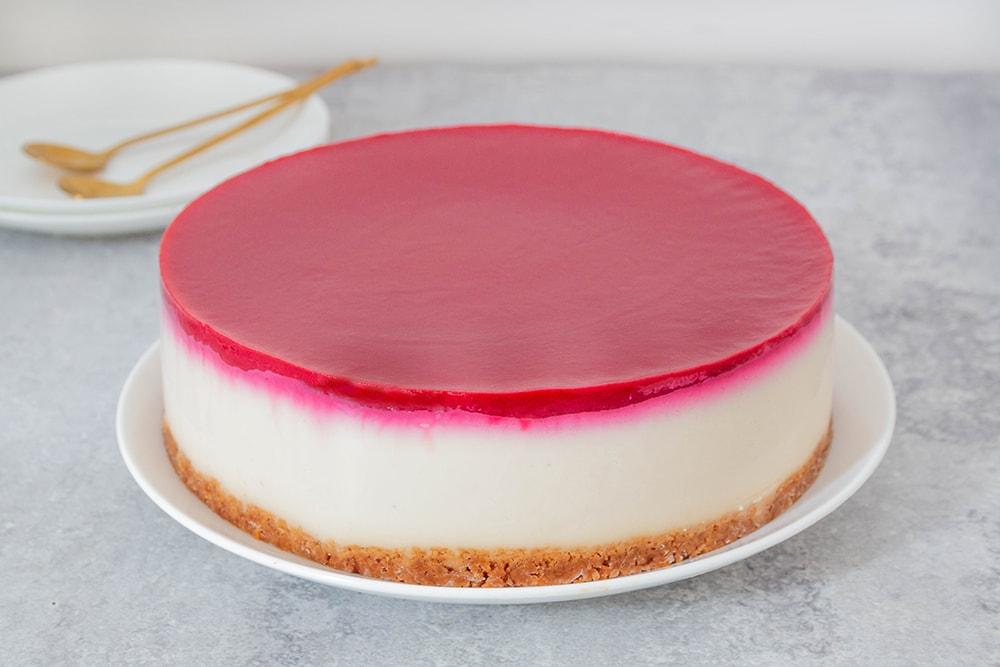 עוגת גבינה טבעונית קרה עם פטל