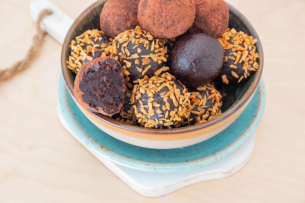 כדורי תמרים טבעוניים ללא סוכר וגלוטן