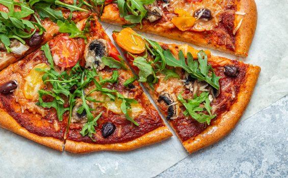 פיצה טבעונית מקמח כוסמין מלא
