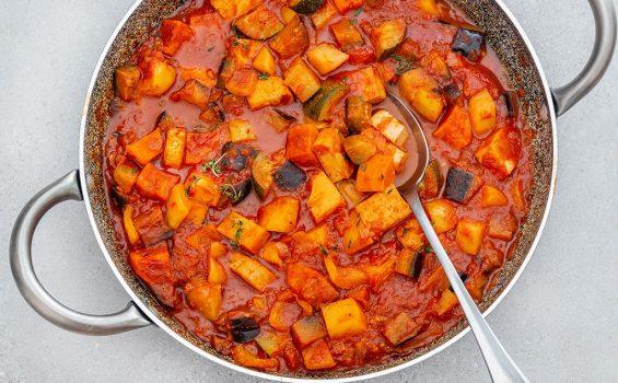 תבשיל ירקות וטופו ברוטב עגבניות_מקרוב_1000